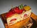 半分になったバースデイケーキ