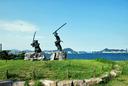 巌流島に建てられた武蔵と小次郎の像
