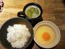 卵かけご飯と鶏ガラスープのセット