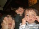 義兄夫妻の子供2人とヘン顔競演