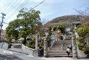 甲山の麓に建つ神呪寺