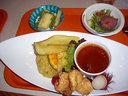 ダチョウの串焼きやワニの唐揚げの他、アフリカ風料理でまとめられたサバンナランチ