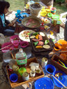 テーブルに並ぶ豪勢な喰い物群