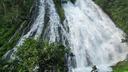 轟音響くオシンコシンの滝