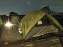 デッキテラスでテント泊