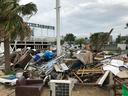 壊滅的被害を受けた西宮ビーチリゾート