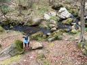 まずは川で軽遊び