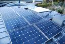 太陽光発電パネルも載せた